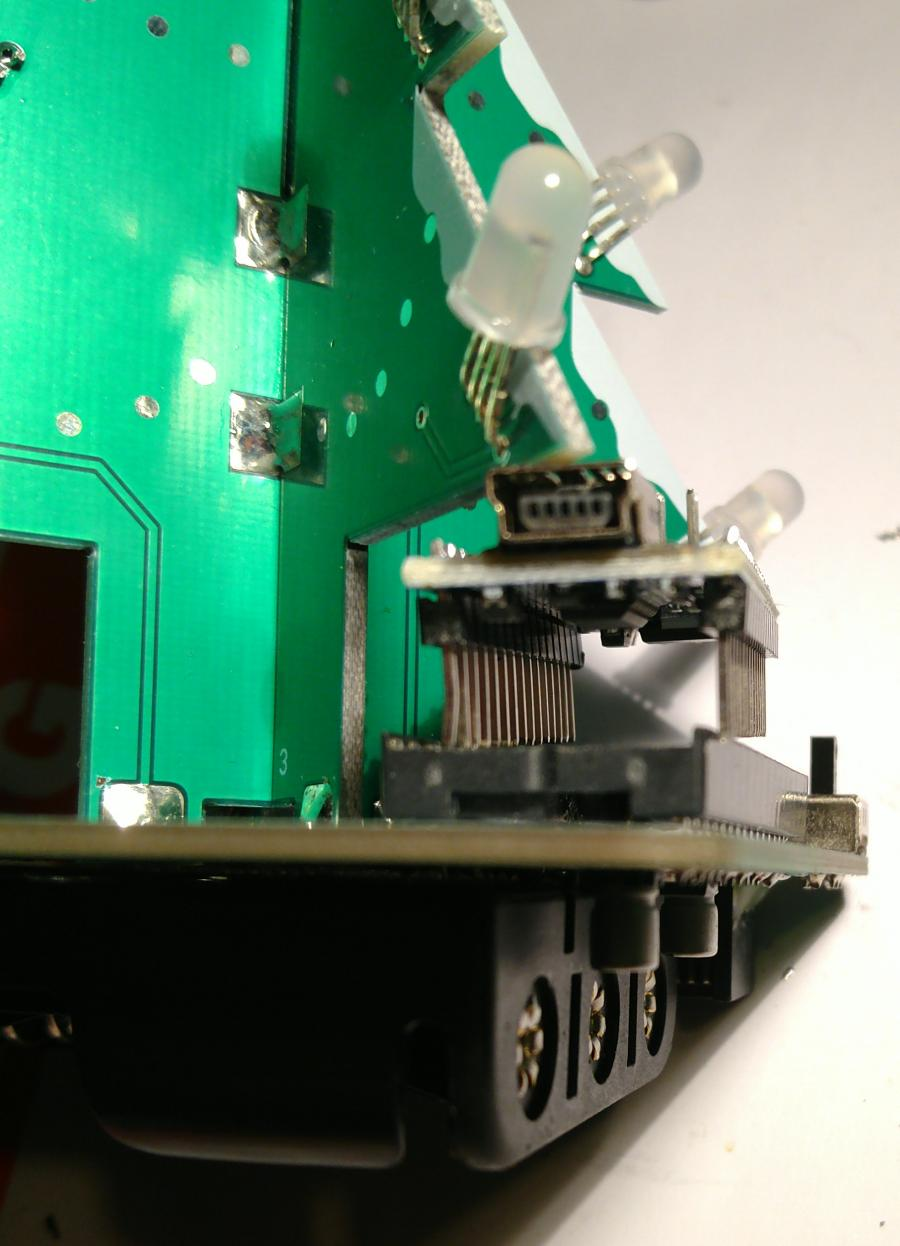 Nano in socket steken past maar nipt